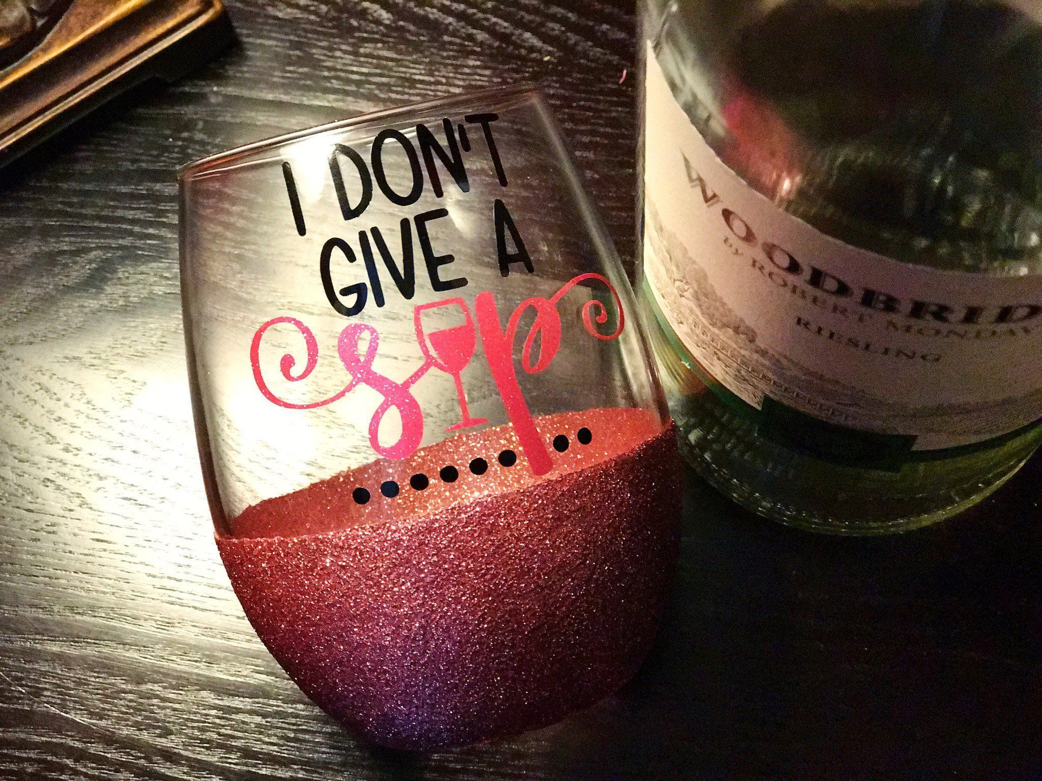 The Flavors Of Wine With Images Glitter Wine Glass Glitter Dipped Wine Glasses Lighted Wine Bottles