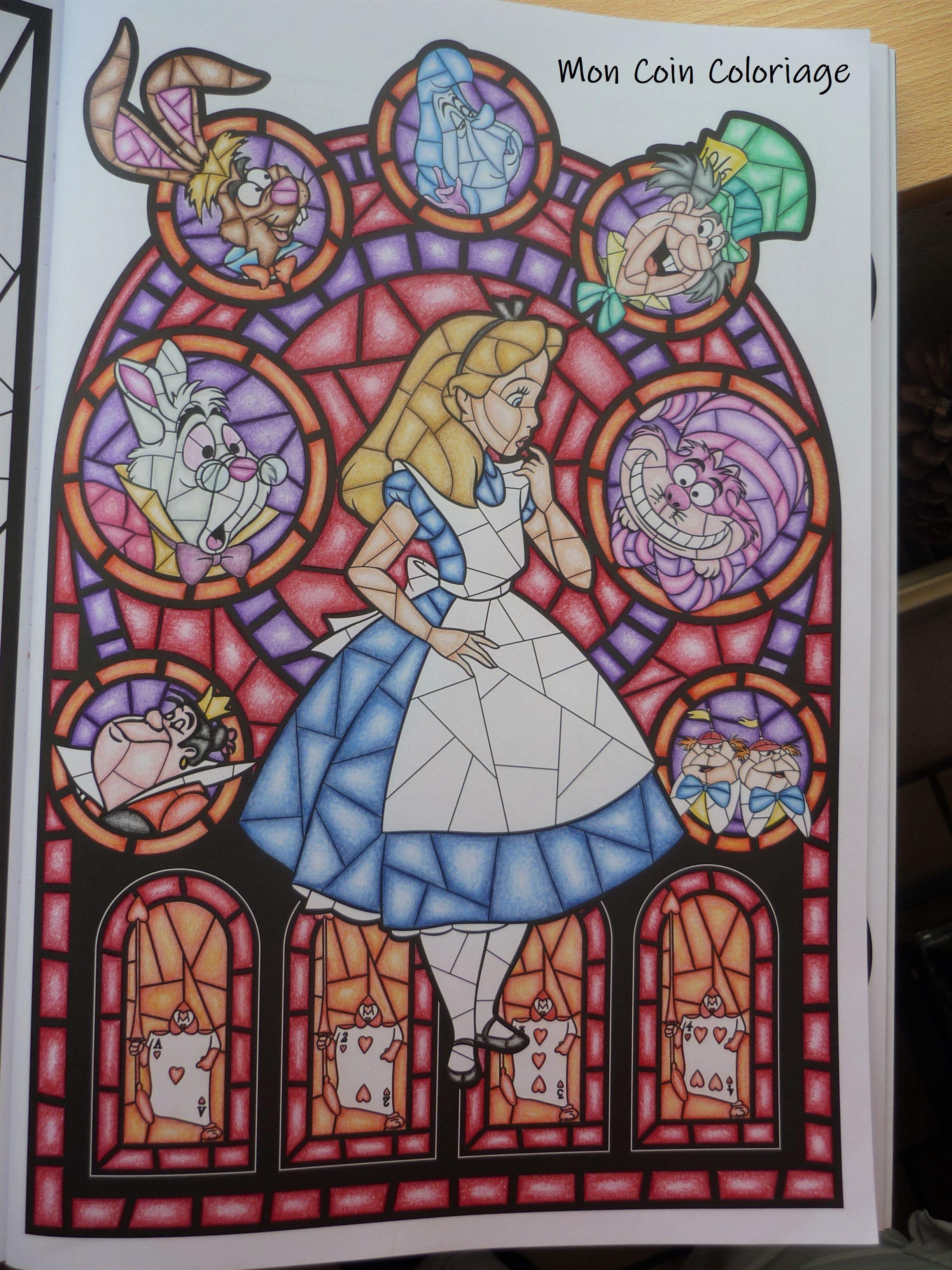 Disney Vitraux Hachette  Coloriage disney, Vitrail disney