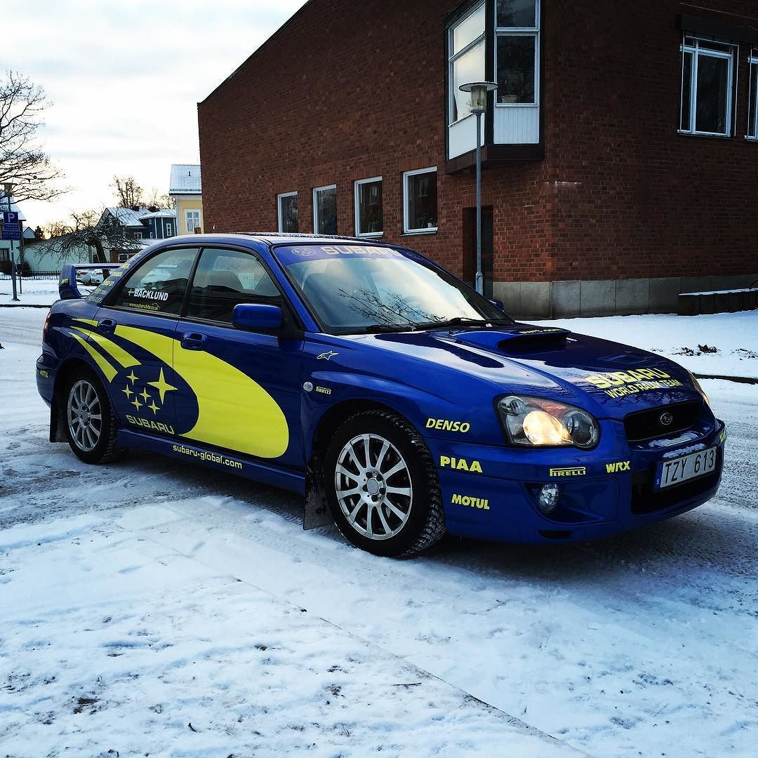 Mot svenska rallyt! @backlundfilip @veronica_nilsson och farsan! #swedishrally #subaruimpreza #subba #subaru #impreza #körvmedbröd by loske