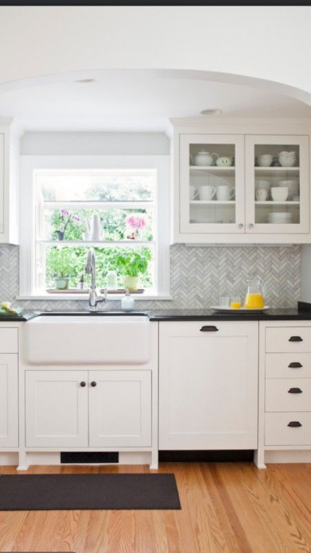 Remodelaholic 4 Features That Date A Kitchen Home Kitchens Kitchen Design Kitchen Inspirations