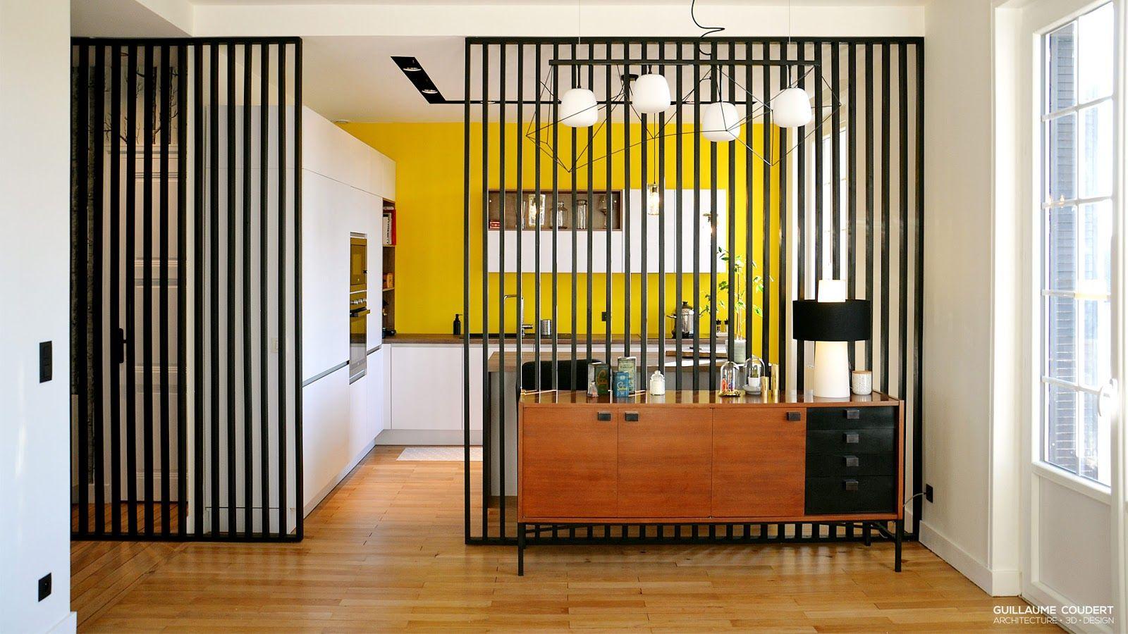 Cuisine Moderne Mur Jaune Meubles Bois Separation Claustra Noir