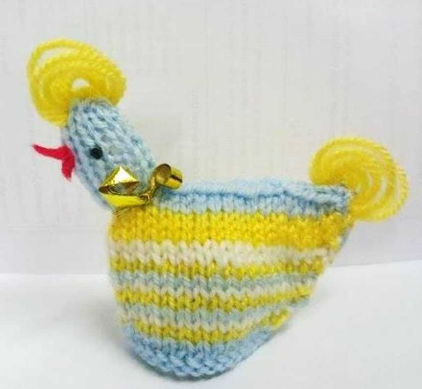 Pattern for Knitted Easter Chick Containing Creme Egg   Hens, Easter ...