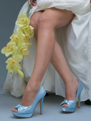 dye-able shoes. perfect for prom or wedding!