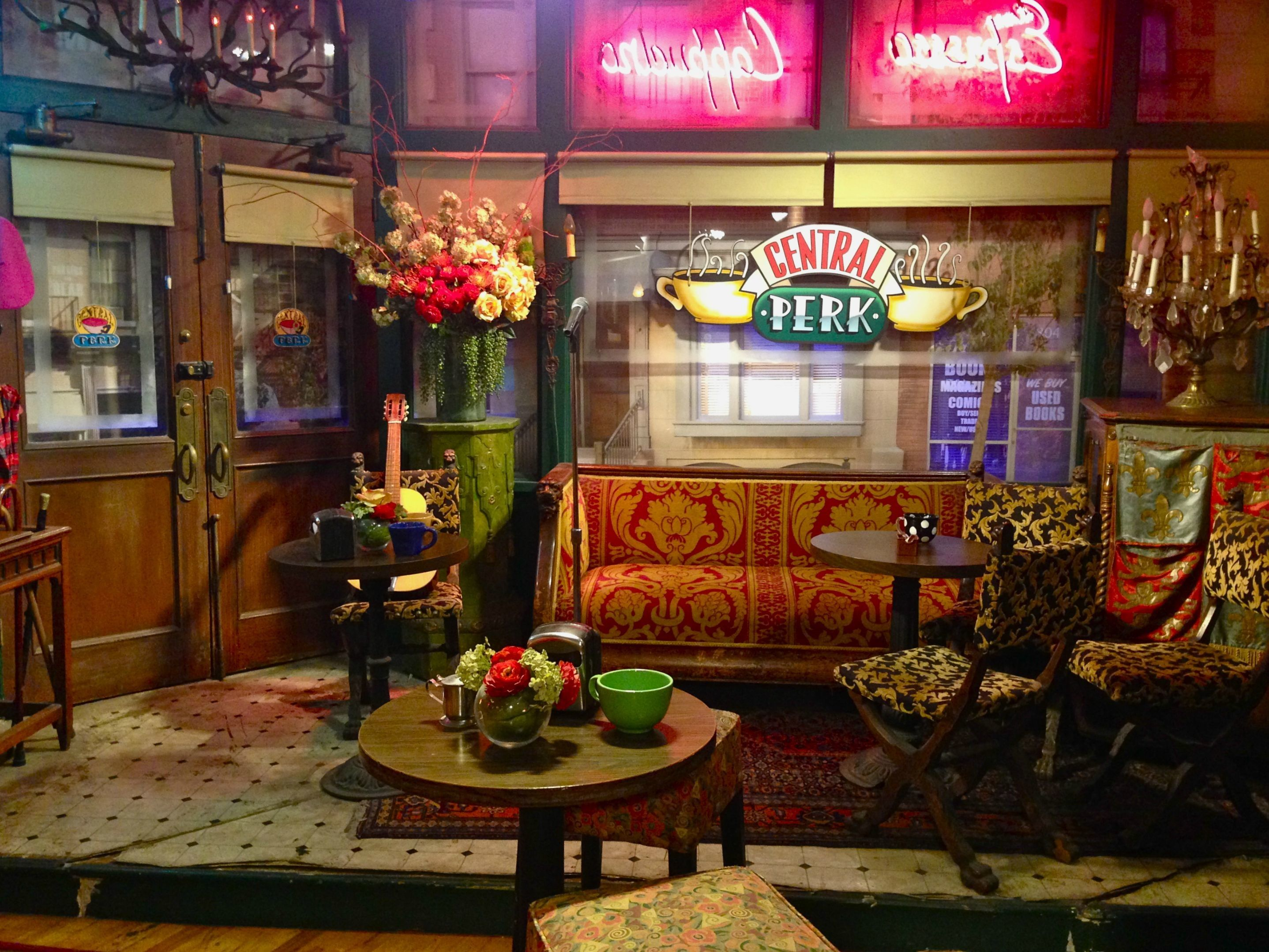 2876x2157 Central Perk Wallpaper 15 Friends Central Perk