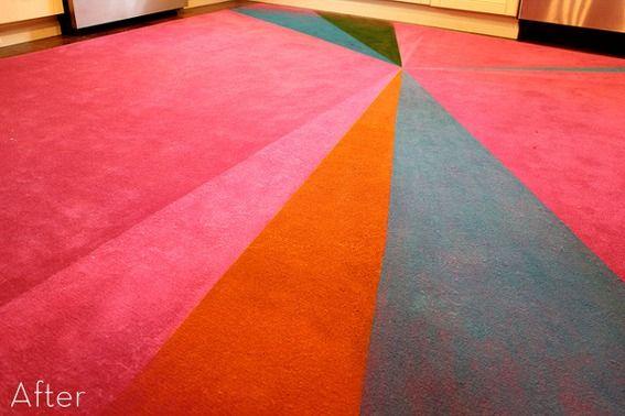 [http://karapaslaydesigns.blogspot.com/2012/01/diy-painted-starburst-rug.html]
