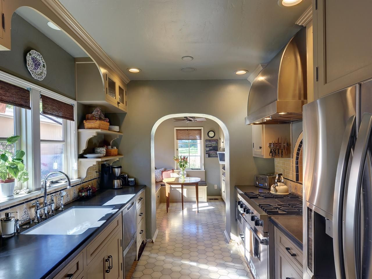 Best Pictures Of Beautiful Kitchen Designs Layouts From Hgtv 640 x 480