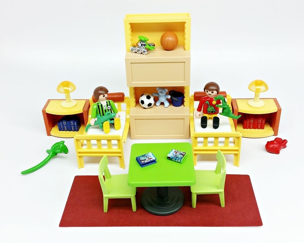 Playmobil kids bedroom beds rug shelves table chairs for Table playmobil