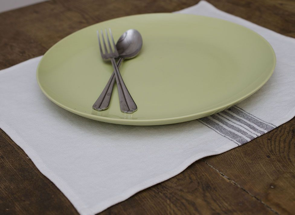 Maison Placemats Set of 4 White/Charcoal
