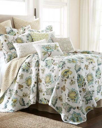 Floral Print Luxury Quilt   Full/Queen