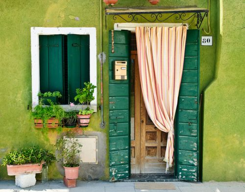 Shades of Green, Burano, Italy  photo via illusion