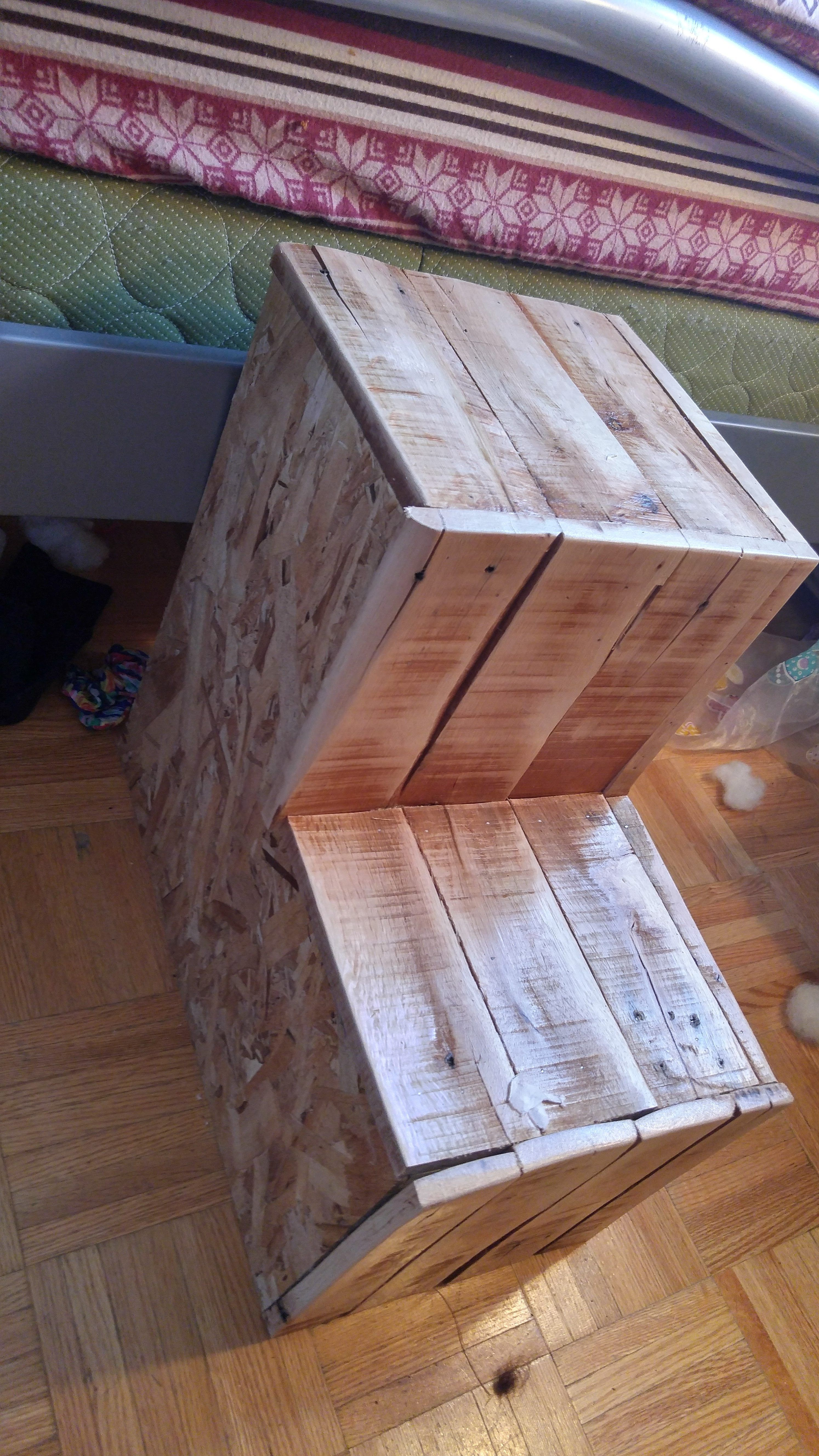 Recycled Pallet Dog Steps To Climb Onto The Bed Pallet Dog Beds