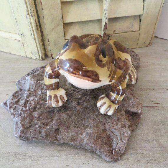 Vintage Frog Ceramic Frog by oZdOinGItagaiN on Etsy, $12.00