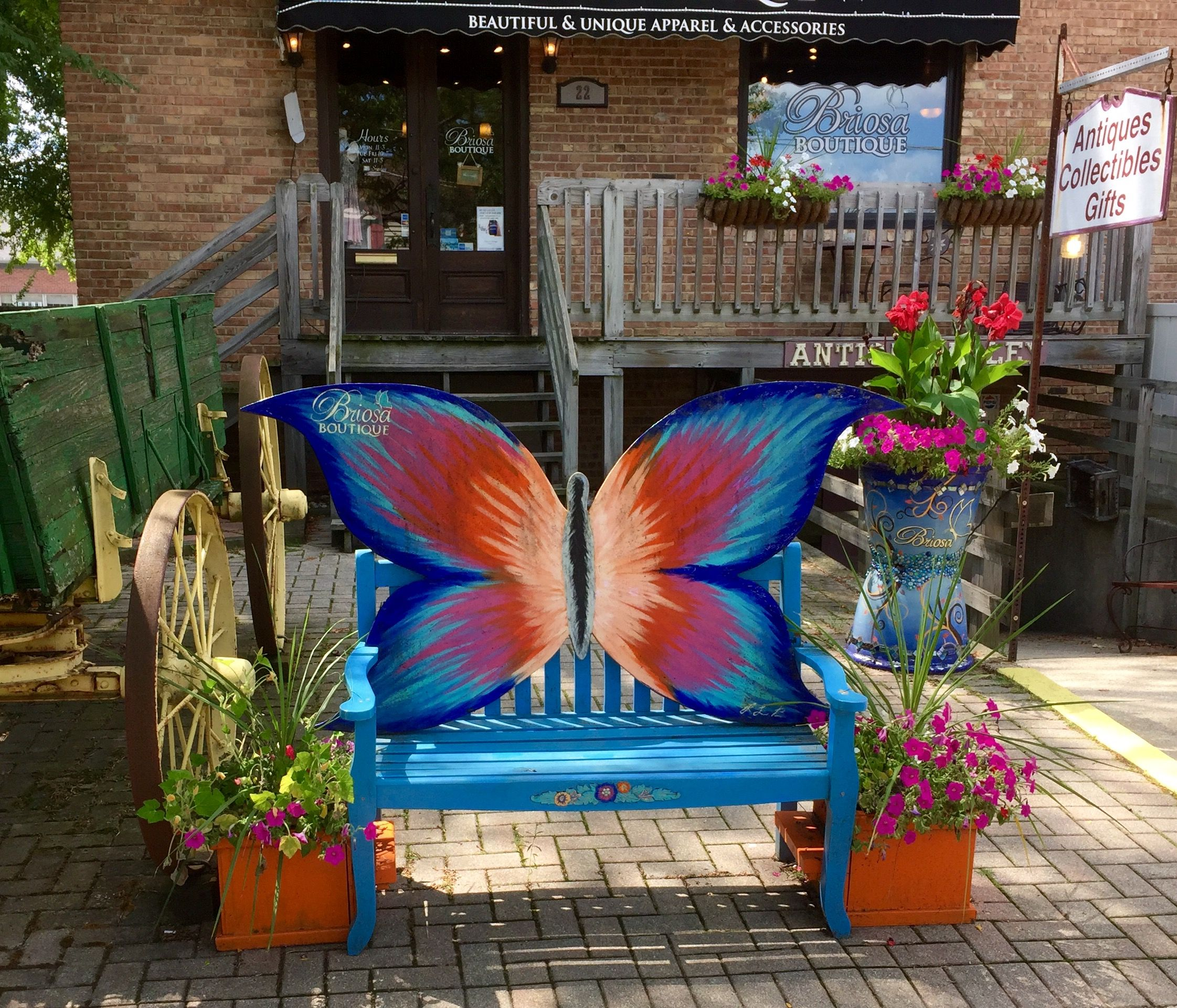 Butterfly bench in front of briosa boutique frankfort il