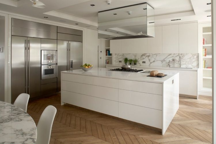 Dosseret et plan de travail marbre pour la cuisine- 80 idées