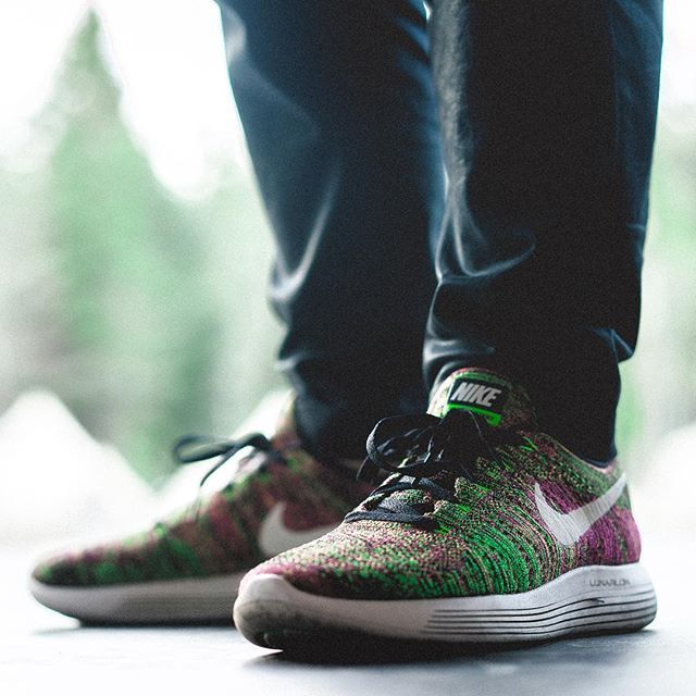 cheap for discount 30035 21a49 Nike LunarEpic Flyknit Low