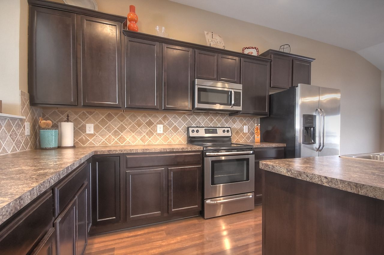 717 Griffin Way Richmond Ky 3 Bedrooms 2 Bathrooms 149 900 Let S Get Cooking In This Beautiful Kitchen Dreamki Beautiful Kitchens Dream Kitchen Kitchen