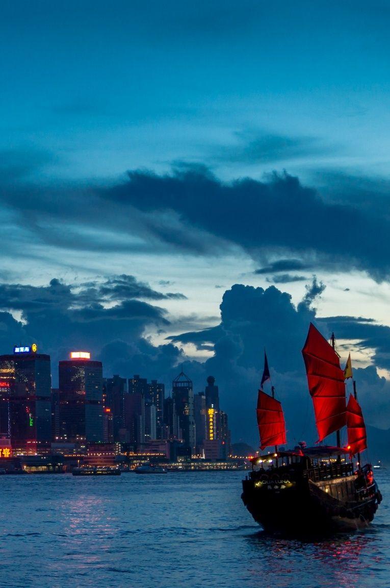 HK nights, Junk in Victoria Harbour