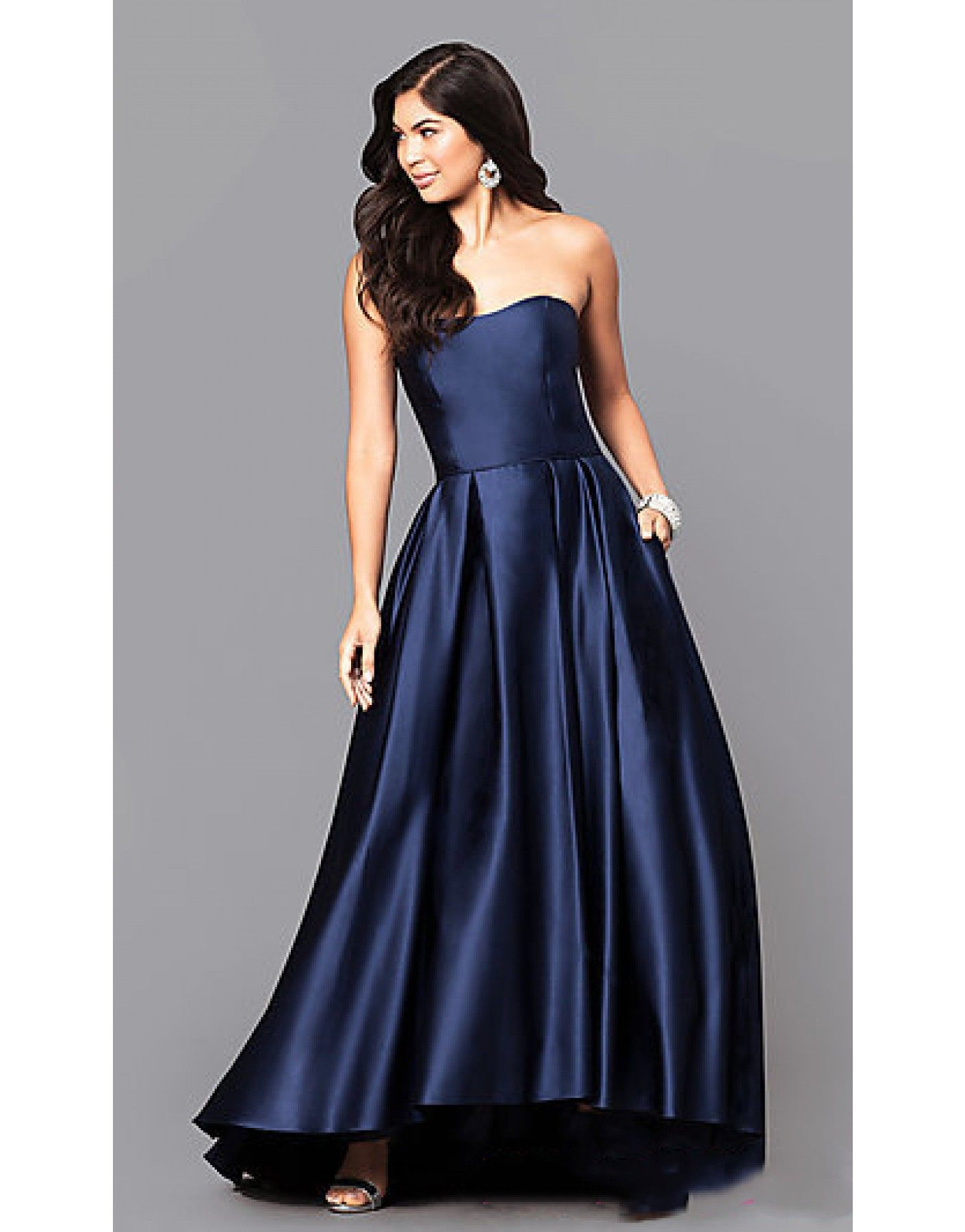 what is a reasonable price for a junior prom dress