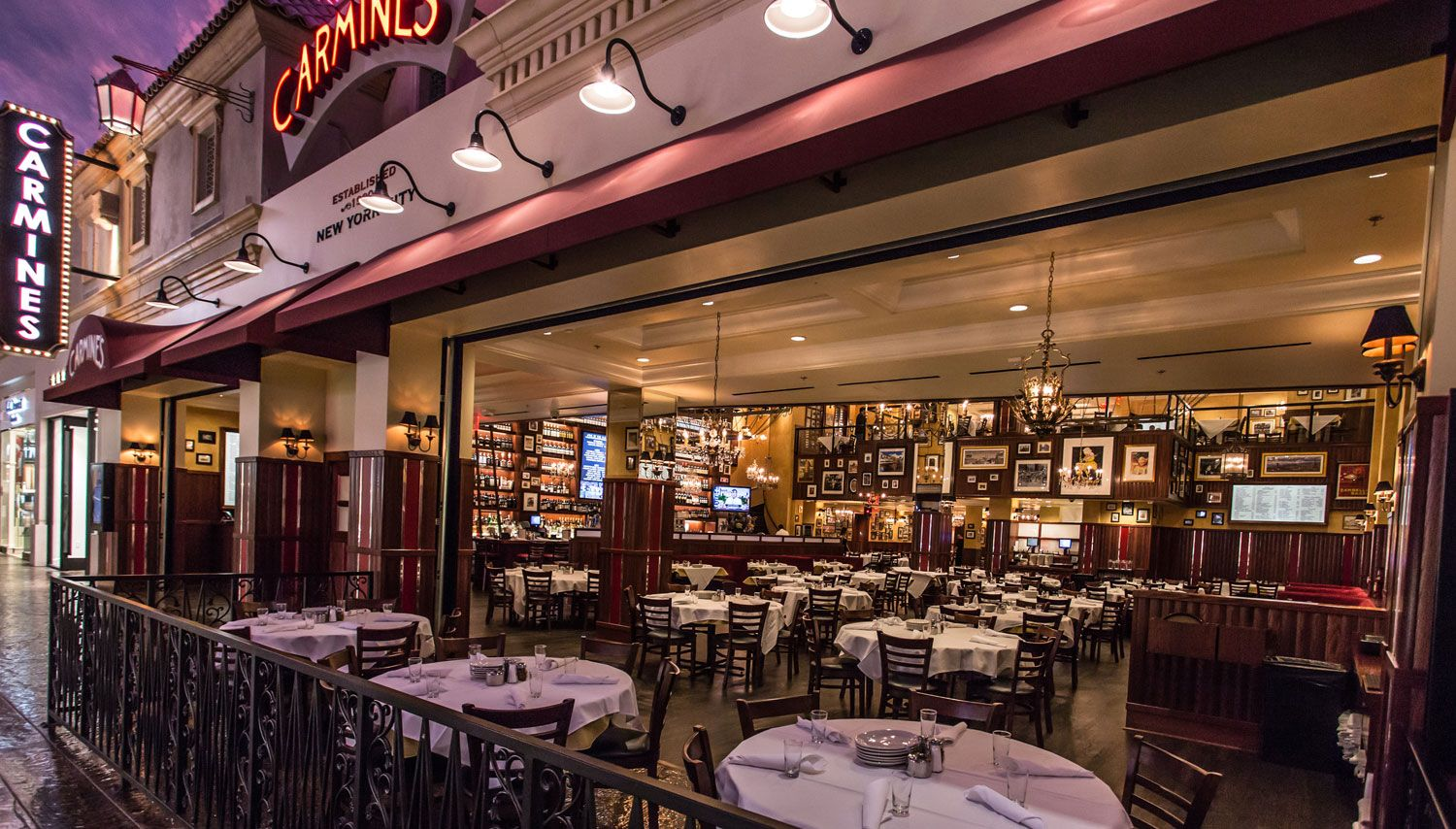 Carmine S Is A Family Style Italian Restaurant In The Forum