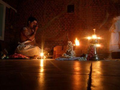 LAST MINUTE TILBUD: SPAR 800 kr.   Spirituel Retreat Inner India   17. januar - 8. februar 2015 - 3 ugers Retreat i Indien hvor du får inspiration og støtte til at tage flere skridt længere på din spirituelle livsvej.