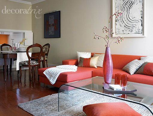 Sal n de estilo moderno con comedor cl sico casa for Salones mezcla clasico moderno