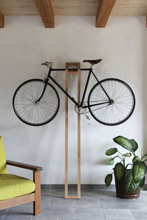 Support v lo minimaliste gain d 39 espace en 2018 pinterest range velo bicyclette et - Porte velo appartement ...
