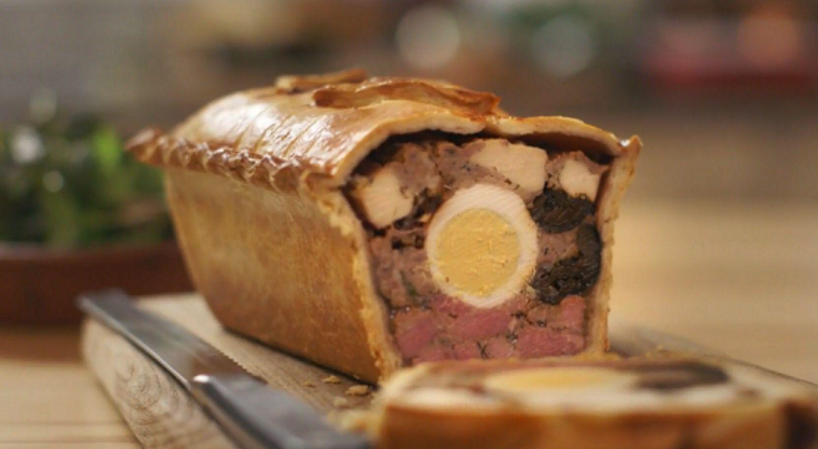 Raised chicken and ham pie recipe ham pie mary berry and hams bbc food forumfinder Choice Image