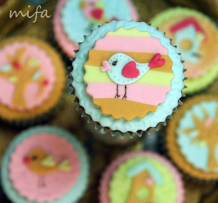 Birdie Cupcakes - by mifa @ CakesDecor.com - cake decorating website