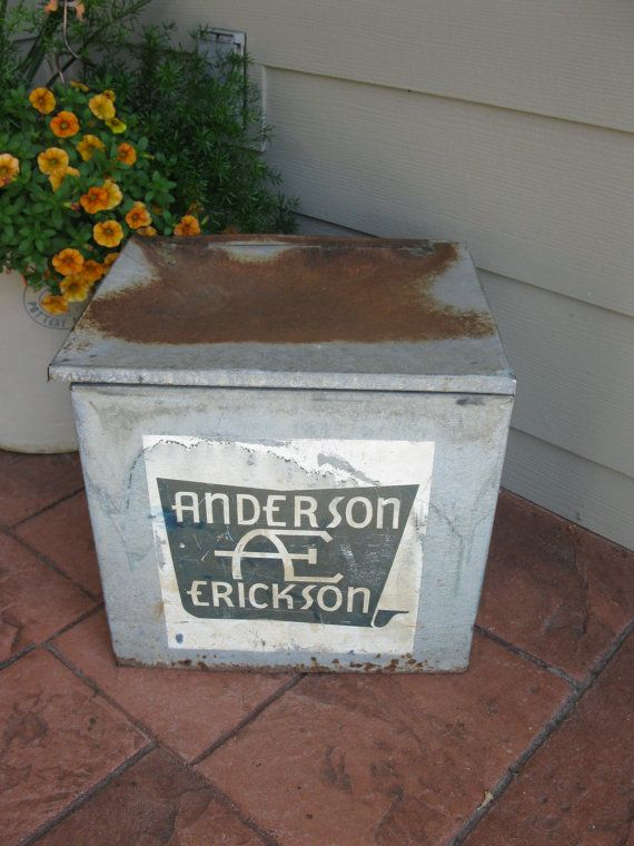 Vintage Galvanized Metal Anderson Erickson Milk By Oakiesclaptrap 28 00 Anderson Erickson Dairy Milk Box Milk Delivery
