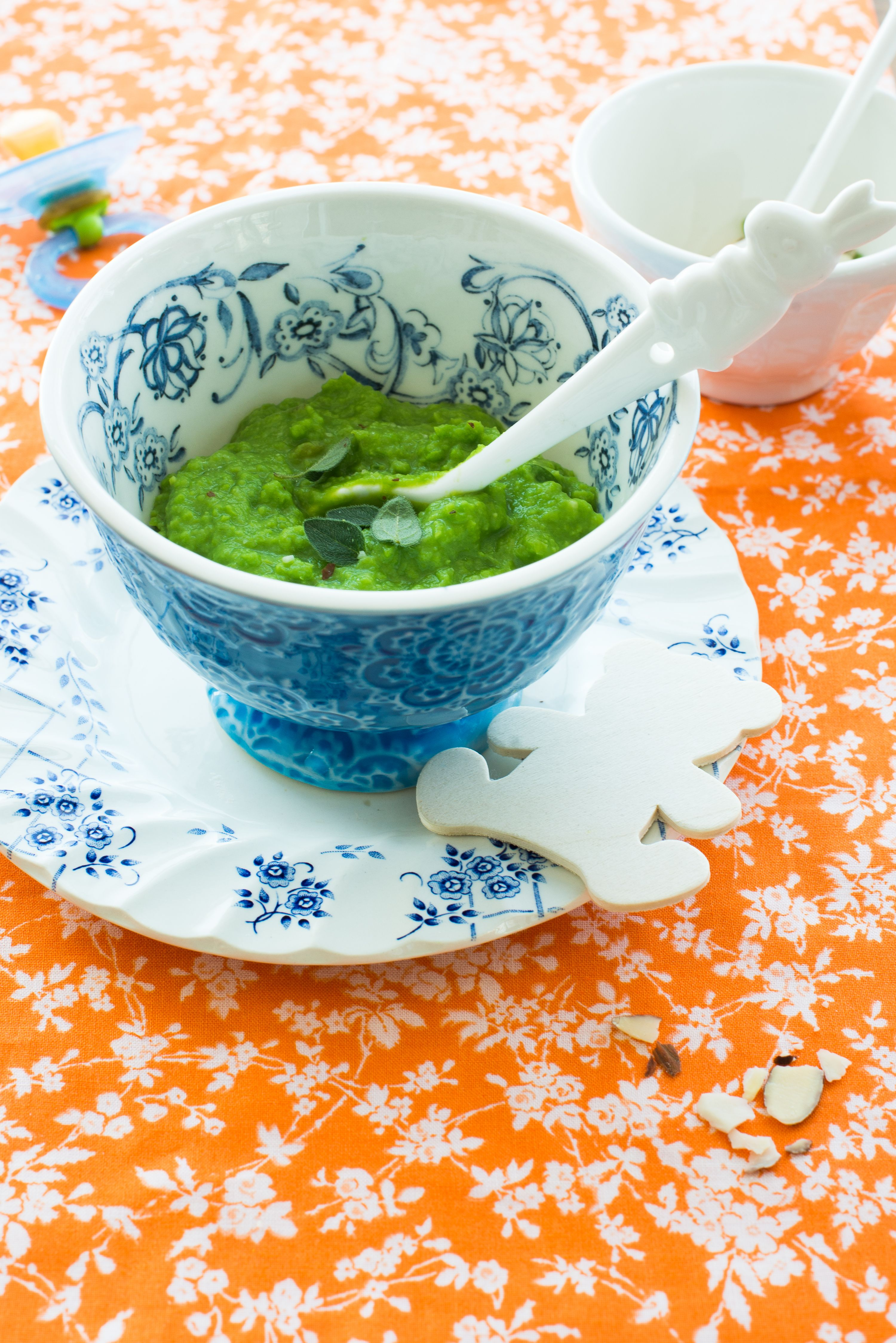 #food photography #homemade fresh sweet pea baby puree #recettes pour bébé #baby purees ideas #cooking inspiration for little ones |Au Petit Goût