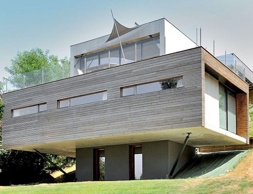 Maison en porte-à-faux Décoration intérieure Pinterest - construction maison terrain en pente