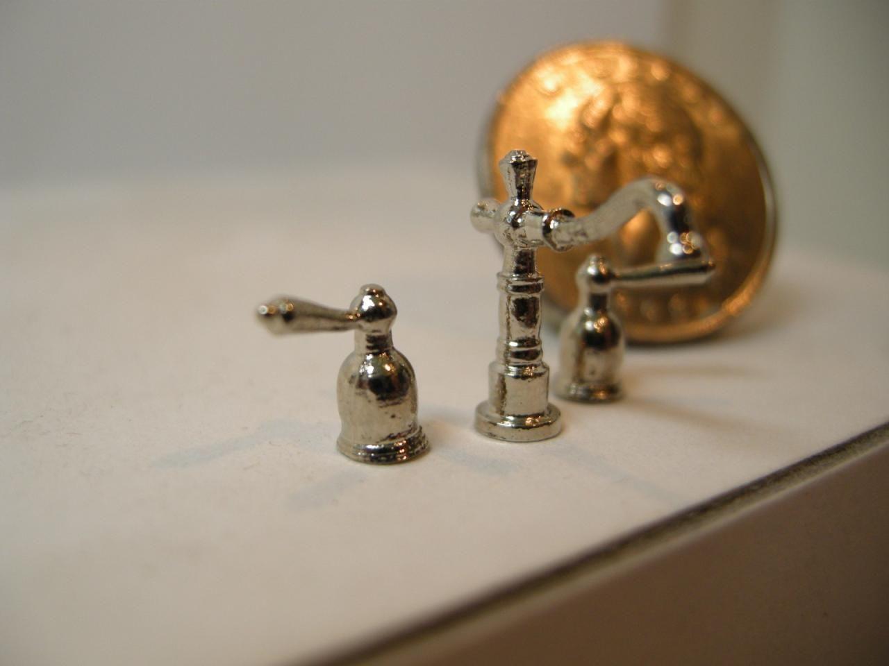 Dollhouse miniature farmhouse faucet set 4412 images