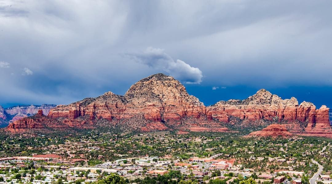 Sedona, Arizona is a beautiful place. I stopped here, then headed onto Phoenix and wished I stayed in Sedona