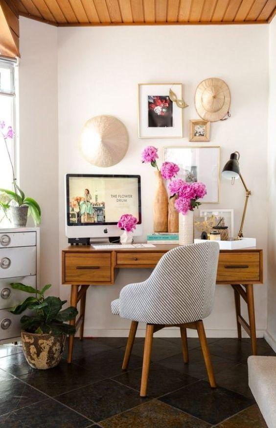 Home Office Decor Ideas - Mid Century Desk #homeoffice #officedecor #office #homedecor #furniture #design #interior