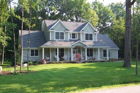 2 story colonial farm house. what a sweet little place! :) | dream