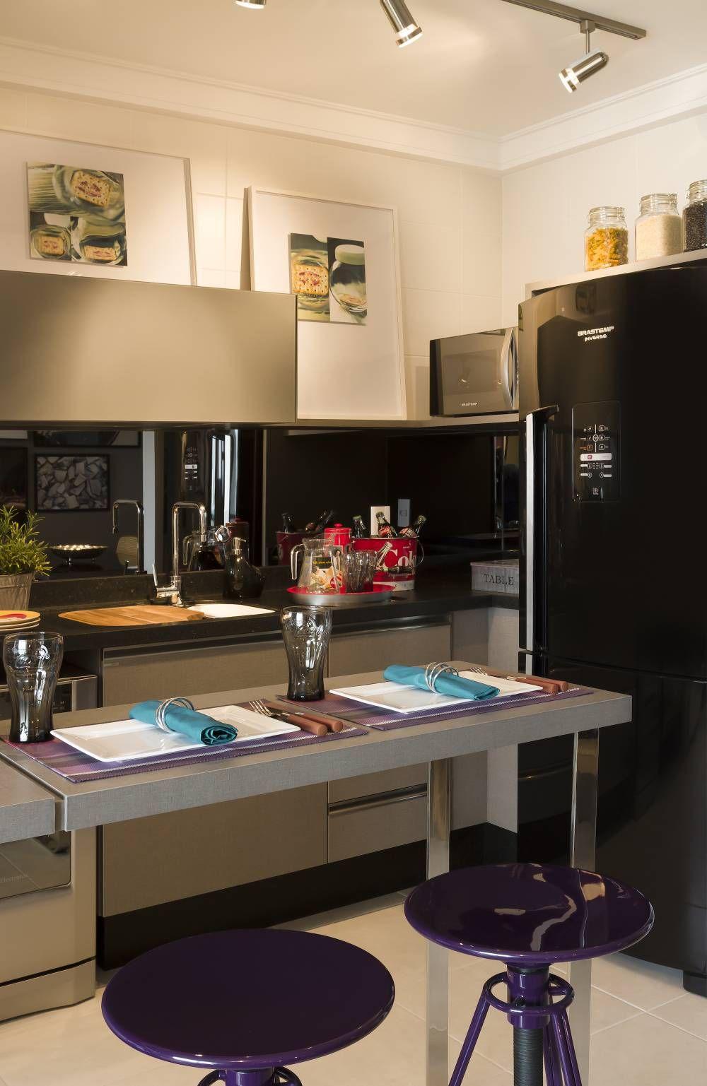 cozinha com frontão de espelho, geladeira na parede lateral | Idéias ...