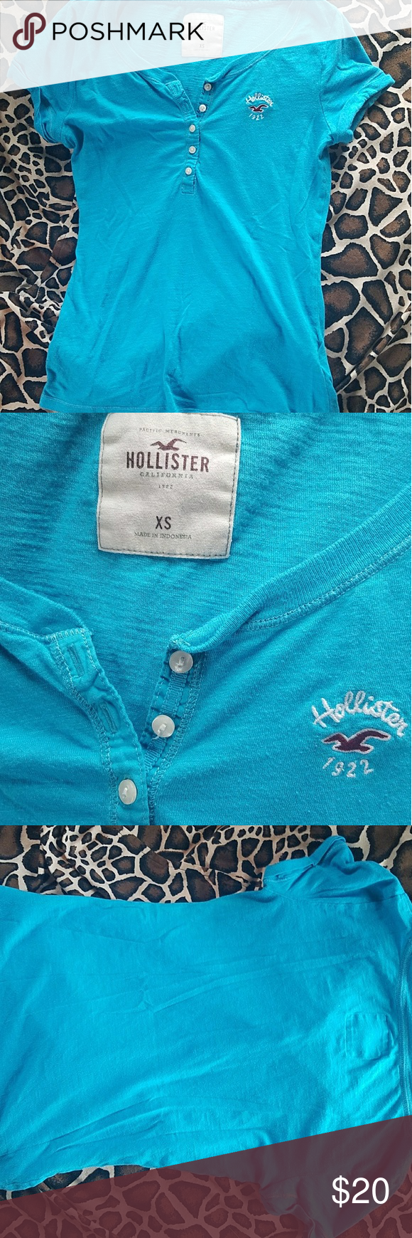 Hollister tee Only worn a few times.   Still bright in color. Hollister Tops Tees - Short Sleeve