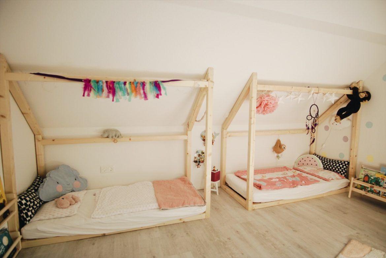 Unser Geschwisterbett für Kinderzimmer mit Dachschräge     Geschwisterbett, Kinder zimmer, Bett ...