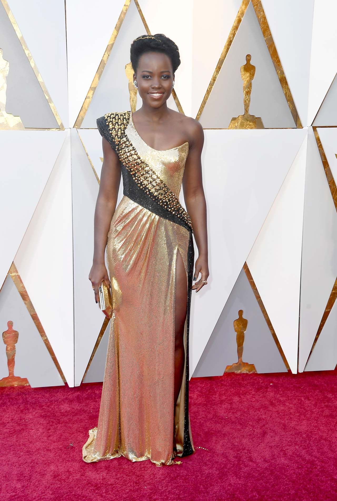 Lupita Nyong'o wearing Atelier Versace at the 90th Annual Academy Awards.