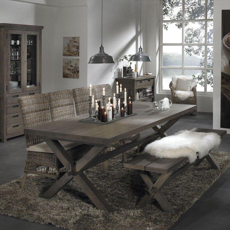 Vail spisebord   vail spisebord i gråvasket eg. bordbenene er af ...