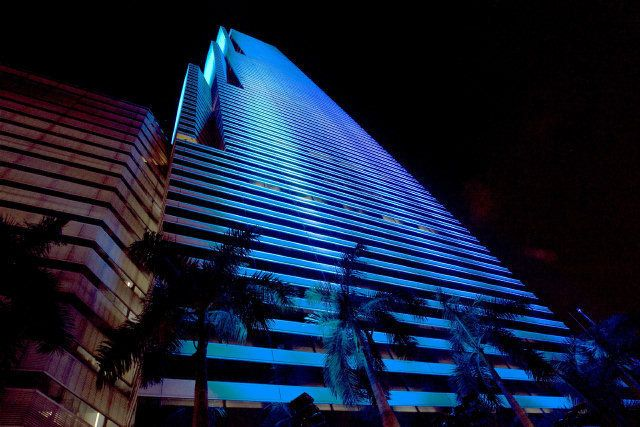 New LED lighting system at the Miami Tower - El Nuevo Herald