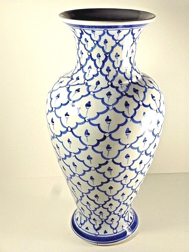 70 Blue And White China Vases Etc Ideas In 2020 Blue And White China Blue And White Vase