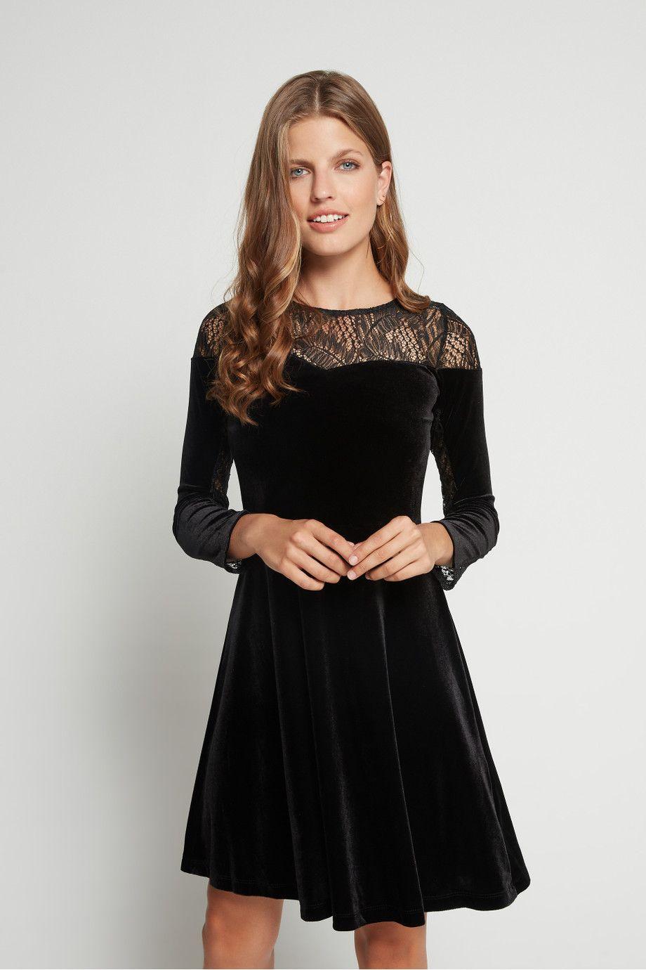 تسوق فستان مخمل بتصميم دانتيل وتنورة واسعة ترينديول أسود للنساء نسناس السعودية Velvet Skater Dress Black Dress Formal Dresses