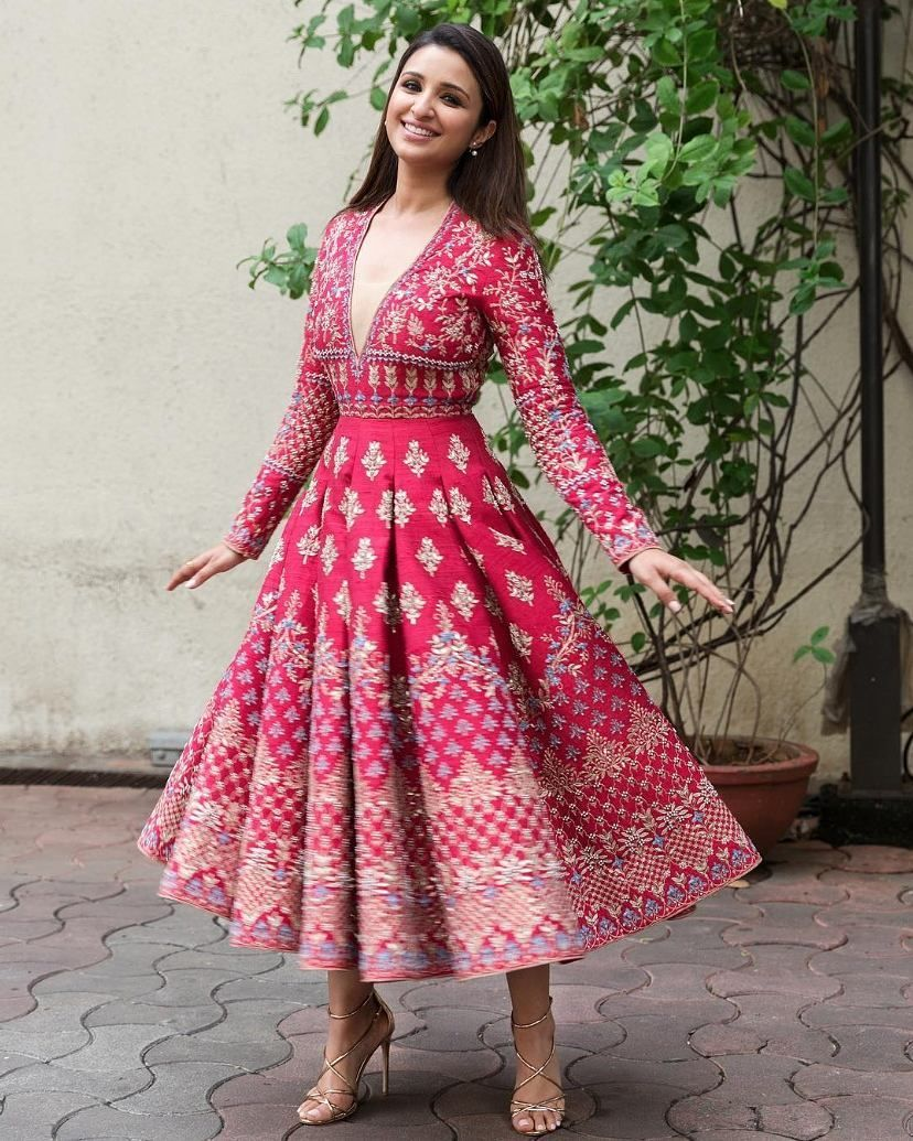 How cute is this contemporary outfit indowestern indianbride