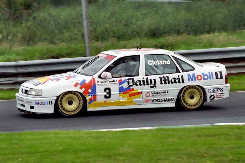 Round 12 Of The 1993 British Touring Car Championship Btcc Vauxhall Old Classic Cars