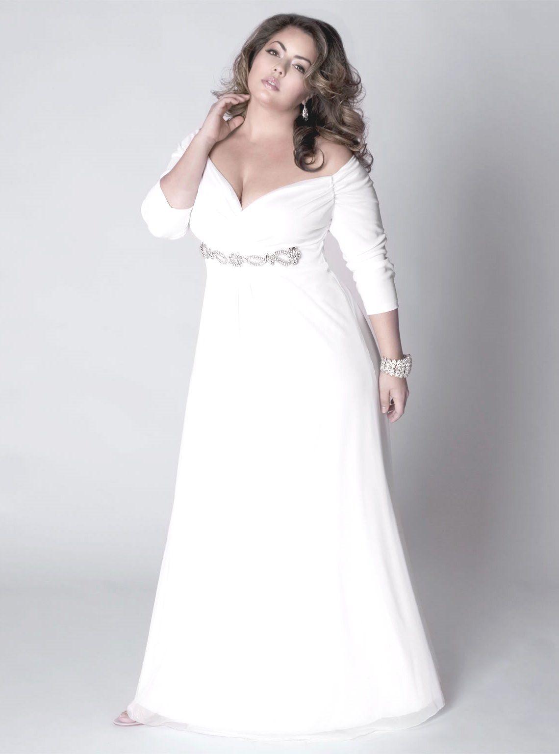 Bohemian Plus Size Brautkleid Mit Langen Spitzenarmeln Und Tiefem Vanadium Plus Wedding Dresses Bohemian Style Wedding Dresses Plus Size Wedding Gowns [ 1316 x 736 Pixel ]