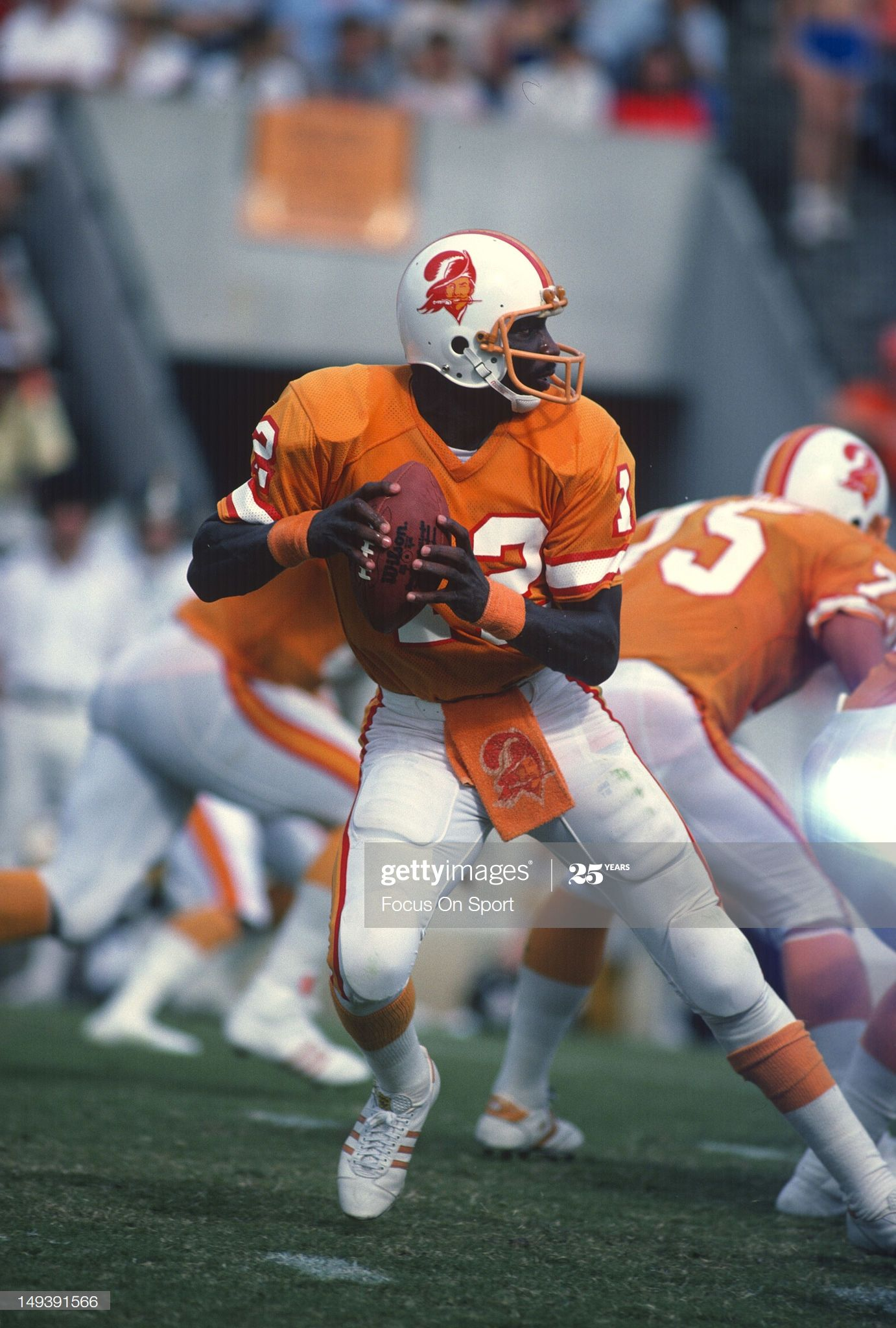 Quarterback Doug Williams Of The Tampa Bay Buccaneers Drops Back To In 2020 Doug Williams Nfl Football Players Buccaneers Football