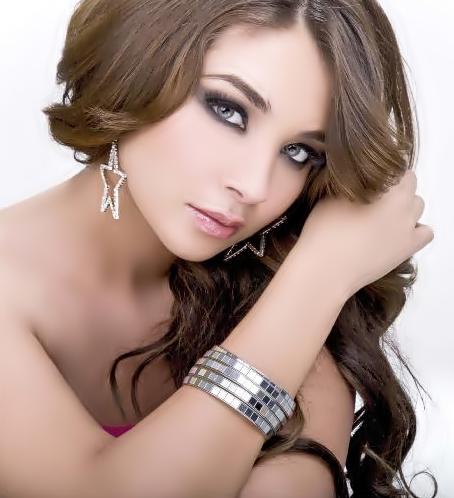 Daniela Luján | DIVAS de México
