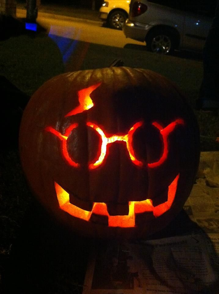 The Harry Potter Pumpkin Vicki And I Carved This Year Vicki Bergs Harry Potter Pumpkin Carving Harry Potter Pumpkin Pumpkin Carving