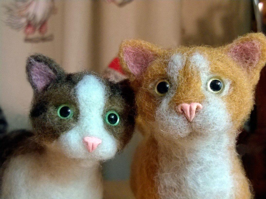 Felted cats by SkojSkoj design studio (www.facebook.com/...)